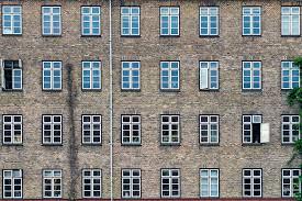 I dag skal vi tale om et erhvervslejemål på Frederiksberg. Det er nogle vildt flotte lokaler og det er for alle slags virksomheder. Så hvis du er på udkig efter nyt kontor, så er det måske noget for dig at rykke ind i disse lokaler hos Diakonissestiftelsen.